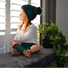 Green Socks, Winter Colors, Winter Hats, Colours, Instagram, Child, Fashion, Cute Babies Pics, Bebe