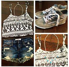 super cute summer outfit! croptop, high waisted shorts, cute shoes