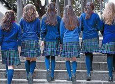 A privada na Galiza, a máis 'elitista' do Estado español - SOCIAL - Sermos Galiza - Diario de intereses galegos School Wear, School Girl Outfit, School Uniform Girls, Girls Uniforms, Girl Outfits, School Fashion, Girl Fashion, Private School Uniforms, Classic Skirts