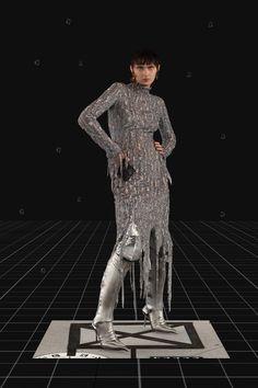 Balenciaga Fall 2021 Ready-to-Wear Fashion Show Collection: See the complete Balenciaga Fall 2021 Ready-to-Wear collection. Look 48 Fashion Week Paris, Vogue Paris, Pop Fashion, Mens Fashion, Fashion Trends, Runway Fashion, Age Of Tomorrow, Backstage, Balenciaga Store