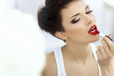 Technika líčenia pier - KAMzaKRÁSOU.sk #kamzakrasou #krasa #love #beauty #make-up #mekeup #hair #hairstyle #eyes #tutorials