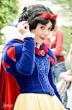 This is the Snow White my daughter had an epic experience with!! She had over 5 uninterrupted minutes with this Snow White & she was SO sweet!! She asked my daughter if they could be 'B.F.F.'s forever' and gave my daughter lots of snuggles...I will remember that moment for forever!!