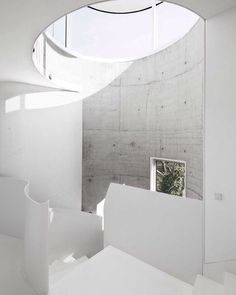 White against concrete is a timeless combo Casa V by Dosis #architecture #architecturelover #architecturephotography #archiporn #archilovers #art #design #designer #architect #interiors #interiordesign #followforfollow #minimalism #modernism #art #arquitetura #desenhar #desain #Arsitektur #建築 #設計 #дизайн #архитектура #photooftheday #follow #seni #art #アート #arte