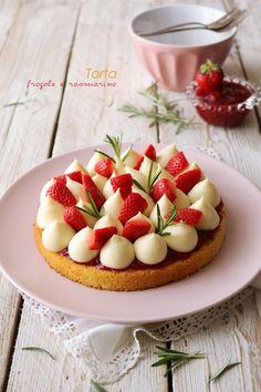 Torta fragole e rosmarino