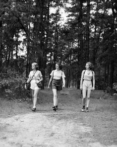 Hikers 1940s #hiking #vintage Men probably wore the same thing-CE