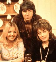 Man About The House - Richard O'Sullivan, Sally Thomsett, Paula Wilcox, Yootha Joyce and Brian Murphy