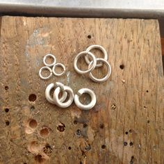 Make your own jump rings from wire: a free jewelry making tutorial on Craftsy!