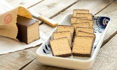 Grillkuchen (Schichtkuchen, Baumkuchen) Rezept: Ein beliebter Kuchen mit Rum und einem Schokoladenguss - Eins von 7.000 leckeren, gelingsicheren Rezepten von Dr. Oetker!