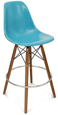 Case Study Side Shell Dowel Barstool with Swivel Base and fiberglass side shell seats by Modernica. Choose bar height stool or counter height stool in fun fiberglass shell chair colors. Dowel barstool wood base for residential or commercial use. Outdoor Bar Stools, Swivel Bar Stools, Eames, Side Chairs, Dining Chairs, Lounge Chairs, Kitchen Stools, 1950s Kitchen, Counter Stools