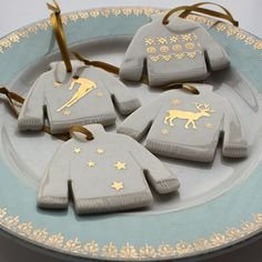 Porcelain jumper decoration gold skier and snowflake by joheckett