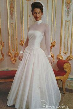 Donna Karan with Long Sleeves Wedding Dresses