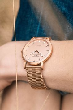 Shore Projects watch have a strong modern day build that make it's quality the best out there! Rose Gold Necklace Uk, Rose Gold Jewelry, Gold Jewellery, Gold Necklaces, Jewellery Shop Near Me, Jewelry Shop, Golden Watch, Rose Gold Watches, Birthstone Necklace