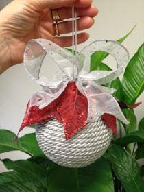 Cristina Crijoux: E Natale sia: palline decorate a mano