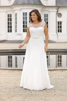 Looking for a plus size wedding dress? : Looking for a plus size wedding dress? Ladybird Plussize collection offers sexy and elegant plus size wedding dresses in various designs and colours Plus Wedding Dresses, Western Wedding Dresses, Plus Size Wedding, Bridal Dresses, Wedding Robe, Wedding Gowns, Wedding Reception, Lace Wedding, Wedding Cakes