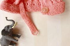 Scandinavian Vintage 70s Peach Knitted Baby Bonnet by ElleBelleVin