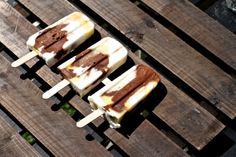 Healthy popsicles - Pineapple coconut cocoa protein icecream