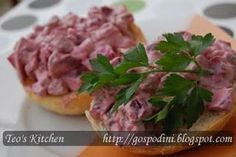 Salata de sfecla rosie cu ficatei Liver Recipes, Chicken Livers, Yummy Food, Beef, Kitchen, February, Drinks, Party, Meat