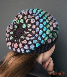 The Moroccan Midnight Slouch Hat is fantastic, fun, and sparkly, with a gorgeous stained glass effect! And it's a free crochet pattern on Moogly! Matching fingerless glove and infinity scarf pattern also. Crochet Adult Hat, Crochet Cap, Crochet Beanie, Crochet Scarves, Crochet Clothes, Crochet Stitches, Free Crochet, Knitted Hats, Crochet Patterns