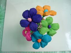 Mexican Crepe Paper Handmade flowers by manosmias on Etsy Bunch Of Flowers, Diy Flowers, Flower Crafts, Flower Art, Mexican Flowers, Fiesta Colors, Festive Crafts, Crepe Paper Flowers, Mexican Folk Art