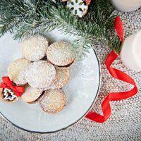 Pletení vánočky z 9 pramenů - fotopostup krok za krokem | ReceptyOnLine.cz - kuchařka, recepty a inspirace Food Videos, Foods, Food Food, Food Items