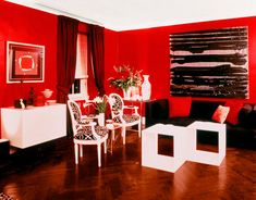 https://i.pinimg.com/236x/52/5f/95/525f9555976d1e6eddbd305ff2dfff7e--living-room-red-stylish-living-rooms.jpg