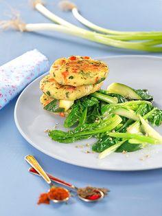 Erdäpfel-Laibchen mit Zucchini und Spinat I © GUSTO / Theresa Schrems I www.gusto.at