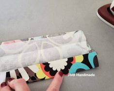How to Make a Simple Tote Bag – JMB Handmade - Herzlich willkommen Bag Pattern Free, Bag Patterns To Sew, Handbag Patterns, Patchwork Patterns, Dress Patterns, Sewing Patterns, Easy Sewing Projects, Sewing Projects For Beginners, Sewing Ideas