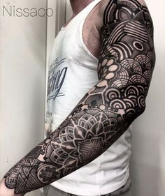 36 Perfect Sleeve Tattoos For Guys With Style – Tattoo İdeas Blackwork Full Sleeve Tattoo by Nissaco Black Tattoos, Body Art Tattoos, New Tattoos, Cool Tattoos, Tattoo Drawings, Tatoos, Tattoos Pics, Arm Tattoos For Guys, Tattoo Images
