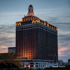 Built in 1930, the old Claridge Hotel at the Atlantic City Boardwalk is still looking mighty fine! Atlantic City, NJ.  [G1X-2929 acr(R)cs6]