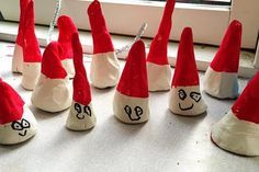 drillenisse af selvhærdende ler - julepynt til børn