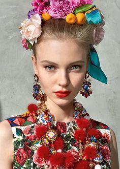 Scopri Dolce&Gabbana Collezione Donna Estate 2017 Mambo e lasciati ispirare.