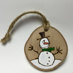 Rustic Snow Man Christmas Ornament Handmade door Timmythewoodman