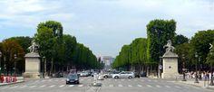 Hermosa vista de la Avenida de los Campos Elíseos en París, Francia. #contaminación