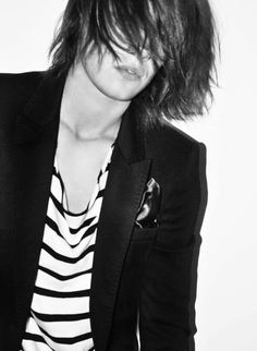 ERIKA LINDER http://erikalinderfanpage.tumblr.com/post/22069476613/since-we-all-know-erika-is-a-huge-fan-of-dicaprio