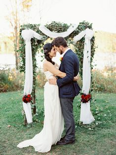 Rustic Fall Wedding | Photo by When He Found Her | Read more - http://www.100layercake.com/blog/?p=72785