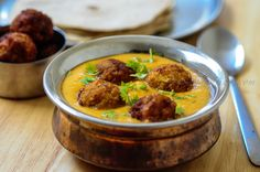 Lauki Kofta Recipe, an easy kofta curry recipe with lauki or bottle gourd. Learn how to make lauki kofta with this easy step by step recipe. Kofta Curry Recipe, Green Chutney Recipe, Chutney Recipes, Bottle Gourd Recipe, Lauki Kofta, Butter Masala Recipe, Basil Pesto Recipes, Vegetarian Side Dishes, Kitchens
