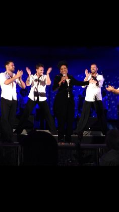 Artem, Henry, Tristan & Sasha (hidden by hands!) dancing with Gladys Knight at Hollywood Bowl 8-9 Aug 2014 (pic credit: @stillmatik via Instagram)