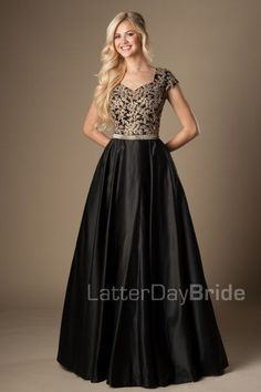Turquoise Gold Appliques Modest Prom Dresses With Cap Sleeves Long A-line Floor Length College Girls Classic Formal Evening Wear Party Gowns Modest Homecoming Dresses, Plus Size Prom Dresses, Modest Wedding Dresses, Formal Dresses, Pretty Dresses, Beautiful Dresses, Luxury Wedding Dress, Mode Chic, Party Gowns