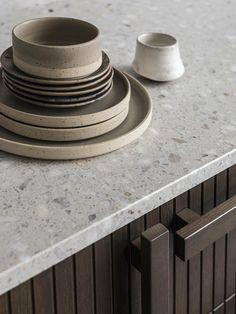 La collection Wood par Superfront | MilK decoration Ikea Kitchen Units, Ikea Units, Dark Wood Kitchens, Wooden Kitchen, Hanging Lamp Design, Nordic Kitchen, Willow Wood, Muuto, Ikea Frames