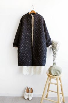 Clothes 2019, Diy Clothes, Clothes For Women, Iranian Women Fashion, Sewing Coat, Clothing Boxes, Clothing Photography, Coat Patterns, Handmade Dresses