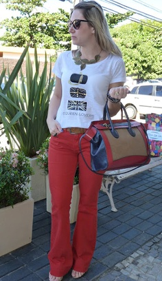 Look: T-shirt + flare colorida!!!!   Fabiana Tomazelli - Moda, Estilo, Tendência