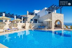 Luxury villa in Stavros