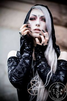 Model: Valentin Van Porcelaine Photo: Post-Mortem.se Clothes: Killstar from Wonderland 13 Ulm