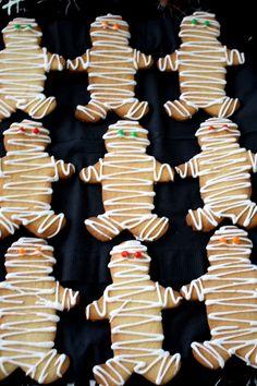 Halloween party food - mummy cookies