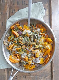 Pan-fried pumpkin and mushrooms with almond cream - repas - Raw Food Recipes Raw Food Recipes, Pork Recipes, Veggie Recipes, Appetizer Recipes, Vegetarian Recipes, Dinner Recipes, Cooking Recipes, Healthy Recipes, Cheap Recipes