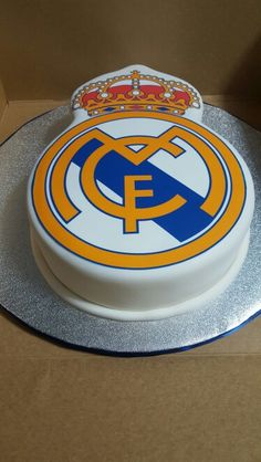 Real Madrid themed groom's cake