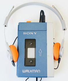 https://flic.kr/p/Gh1iNc | First walkman | The first Sony Walkman from 1979: TPS-L2 & headphone MDR-3L2