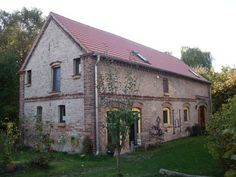 Vogelgesang P�wesin Vogelgesang is quietly located in P?wesin, and is a 30-minute drive from the centre of Brandenburg. The apartments offer a garden, a sauna, and there is free WiFi access available.