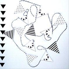 Panda Mini slinger van papier /Vlaggenlijn/ door pipowagenaanzee