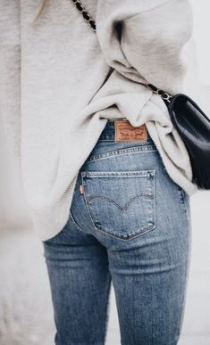 Just the basics: sweaters + levi's 501 skinny jeans #style #simplistic